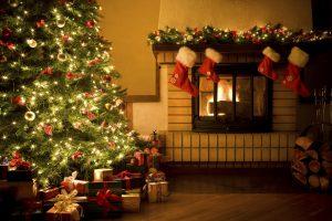Pohon Natal Di Gereja Kita