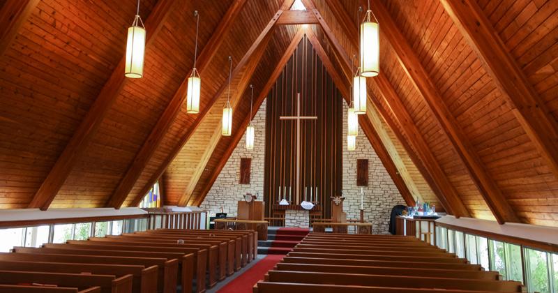 Rumah Tuhan Indah dan Bersih