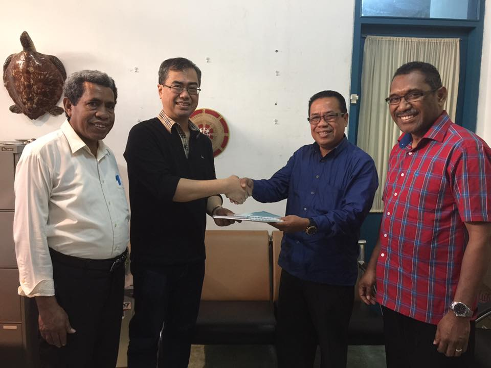 Penyerahan Hasil Audit Keuangan STT Jaffray Makassar